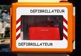 La question de la semaine : installation de défibrillateurs cardiaques